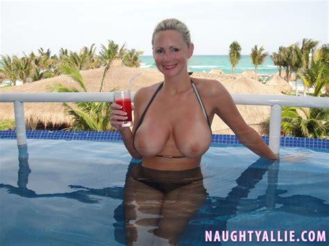 Nude pool public jpg 1333x1000