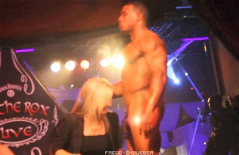 Stripper gets blow job animatedgif 500x325